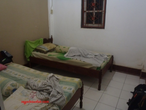 Salah satu kamar penginapan yang disewakan Mas Momon di Senaru. Seluruhnya ada tiga kamar.