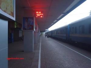 Stasiun kereta utama di Hanoi, pagi hari. 22 April 2013.