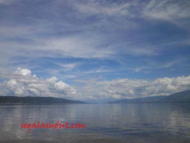 Danau Singkarak dari area dekat Stasiun Tabal, Tanah Datar. 17 Agustus 2014