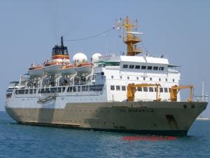 KM Tilongkabila, kapal milik Pelni yang berusia 20 tahun. Rute Bitung (Sulut)-Gorontalo-Luwuk-Kolonedale-Kendari-Raha-Bau bau-Makassar-Labuan Bajo-Bima-Ampenan/Lembar-Benoa/Denpasar.  24 September 2014.