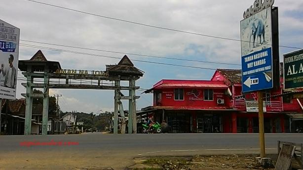 Gerbang Taman Nasional Way Kambas. 21 Maret 2015