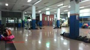 Ini nih ruang tunggunya, dekat pintu keluar. Pelabuhan Merak, 22 Maret 2015.